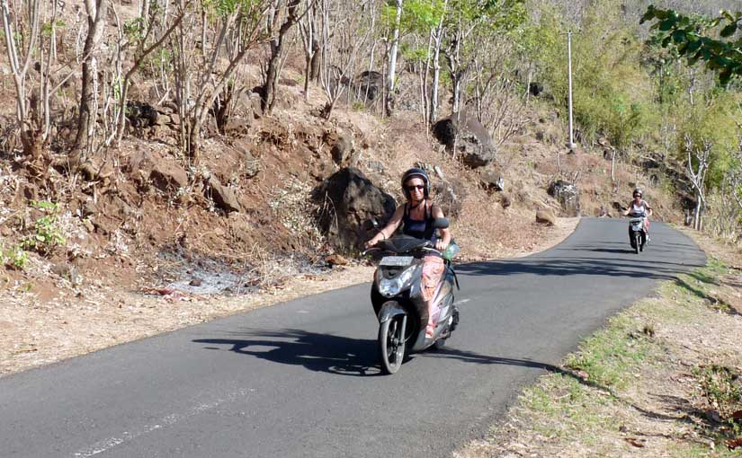 Deux scooter à Tukad item