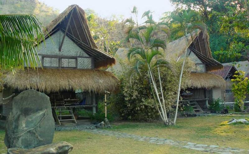 Chambres en bambou au Good Karma.