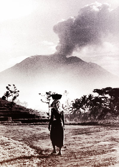 smoking-mount-agung