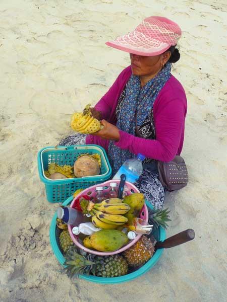 Vendeuse d'ananas